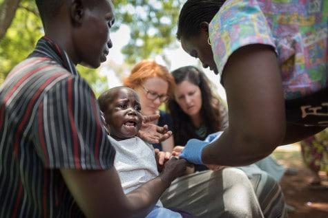 20150317_uganda-jigger-clinic_0184